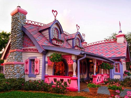 La maison de barbie existe dans la vraie vie confidentielles for Barbie vie dans la maison de reve