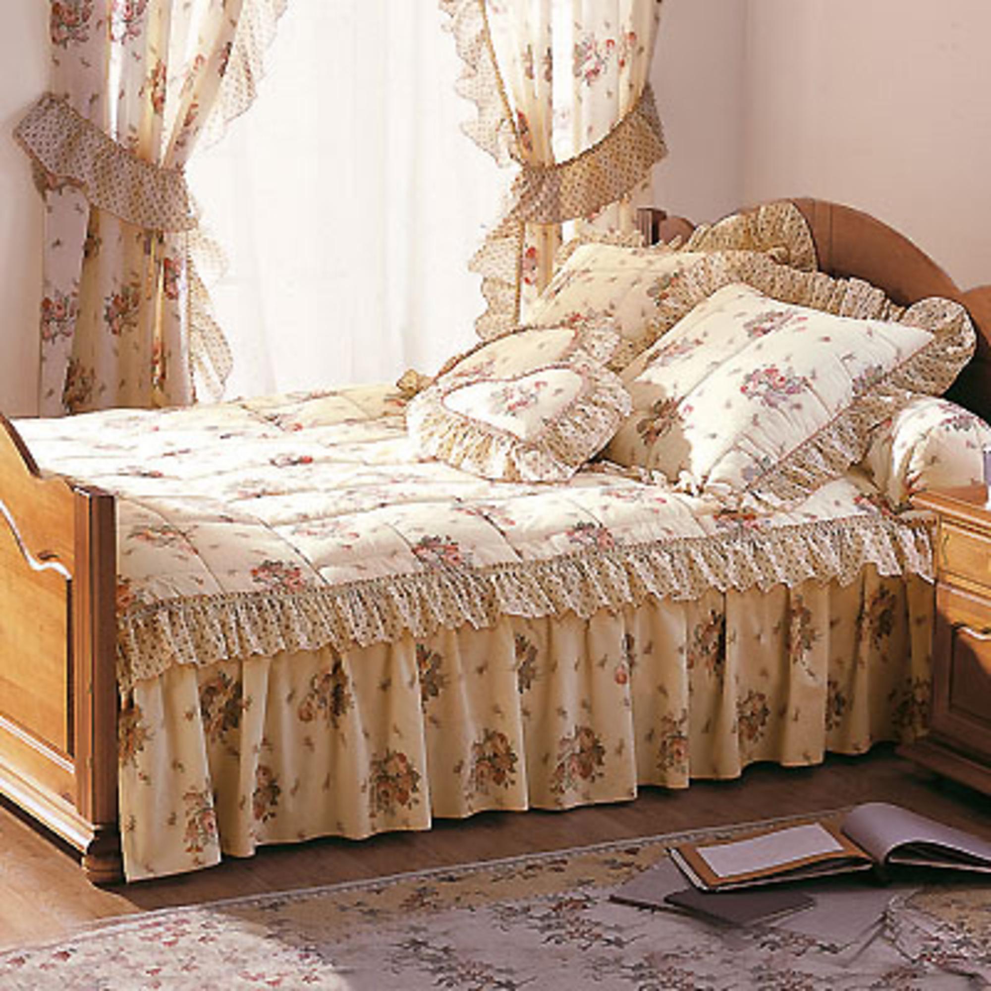 couvre lit 2 personnes 3 volants magnolia anniversaire. Black Bedroom Furniture Sets. Home Design Ideas