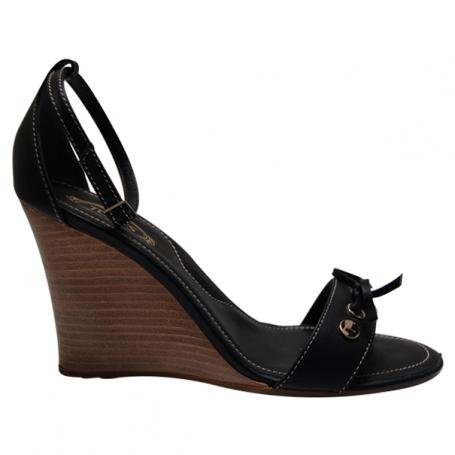 chaussures compensees cuir noir. Black Bedroom Furniture Sets. Home Design Ideas