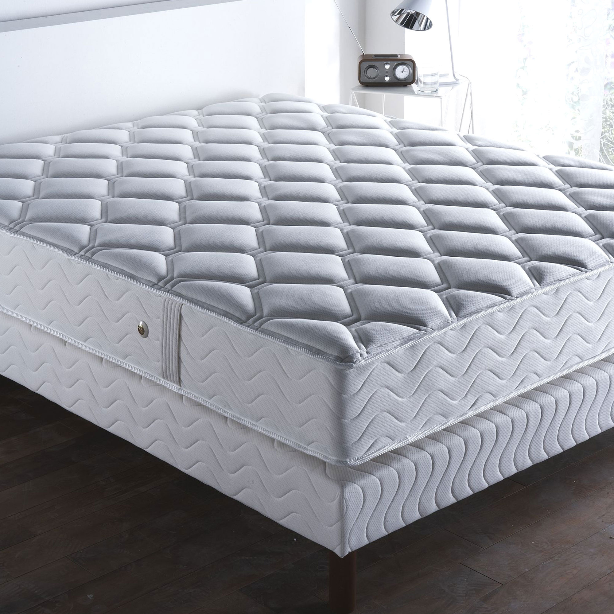 matelas haute rsilience elegant matelas bne mousse polyurthane haute rsilience kgm sans cfc. Black Bedroom Furniture Sets. Home Design Ideas
