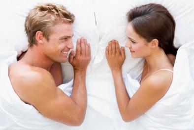 Comment parler sexe avec son conjoint confidentielles - Comment faire plaisir a son mari au lit ...