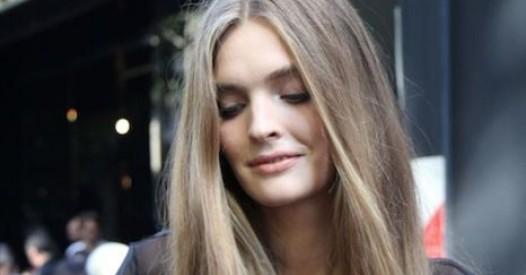 Le moyen humectant pour les cheveux secs poreux