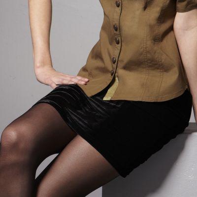 jeune femme poilue photo de salope en mini jupe