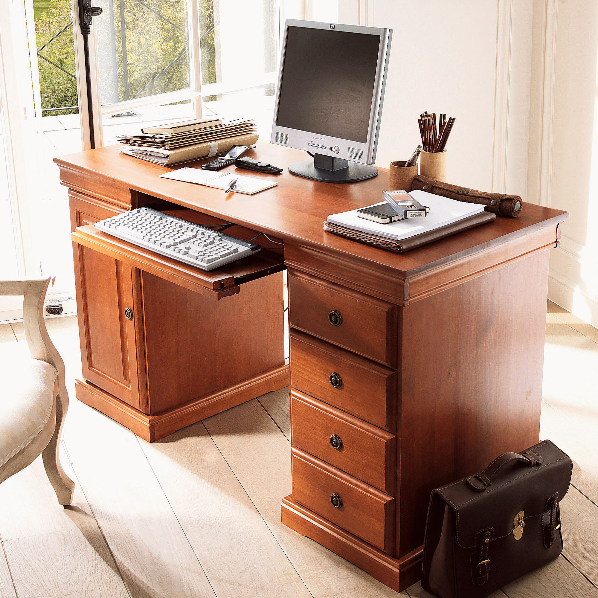 Bureau multim dia style louis philippe merisier for Bureau multimedia