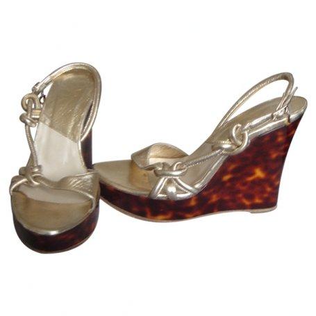 chaussure compense dior acheter ce produit au meilleur prix. Black Bedroom Furniture Sets. Home Design Ideas