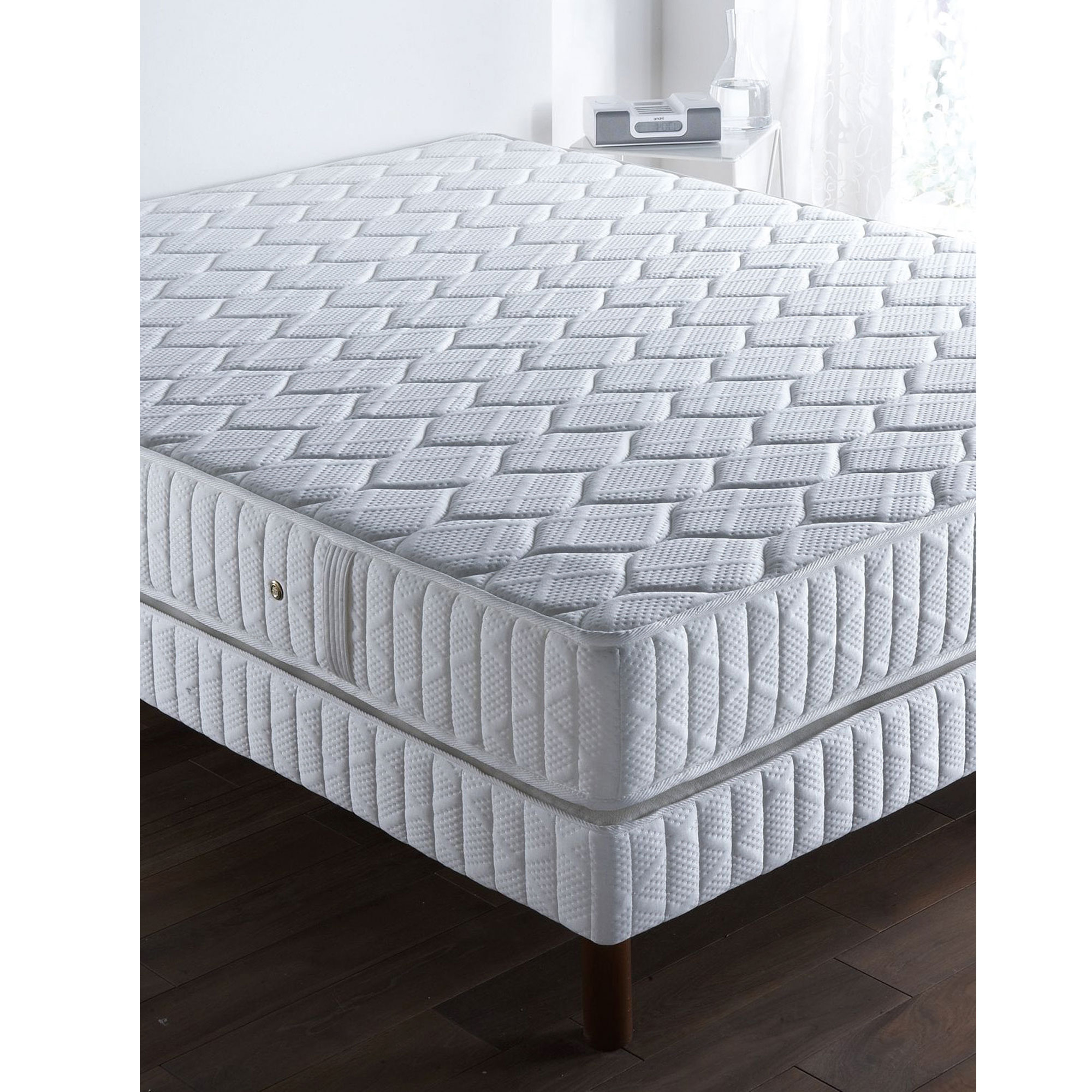 matelas ressorts ensachs 160x200 pas cher great beautiful awesome simmons matelas ressorts. Black Bedroom Furniture Sets. Home Design Ideas
