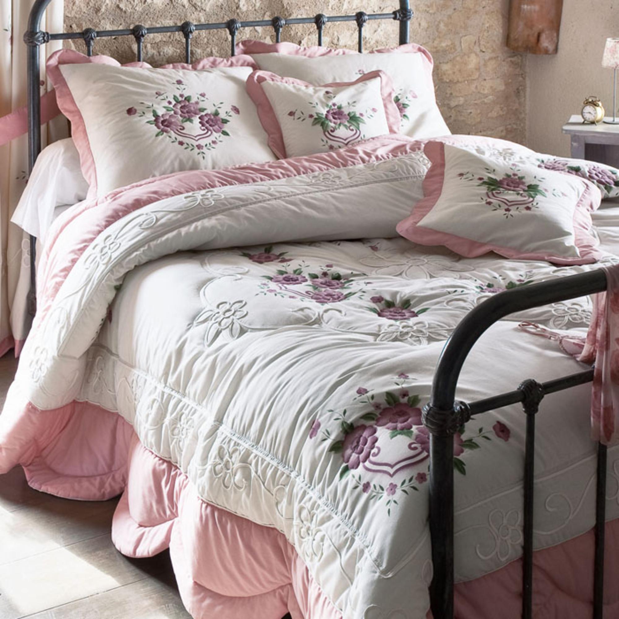 couvre lit romantique 2 volants Casserolier garance   Acheter ce produit au meilleur prix ! couvre lit romantique 2 volants