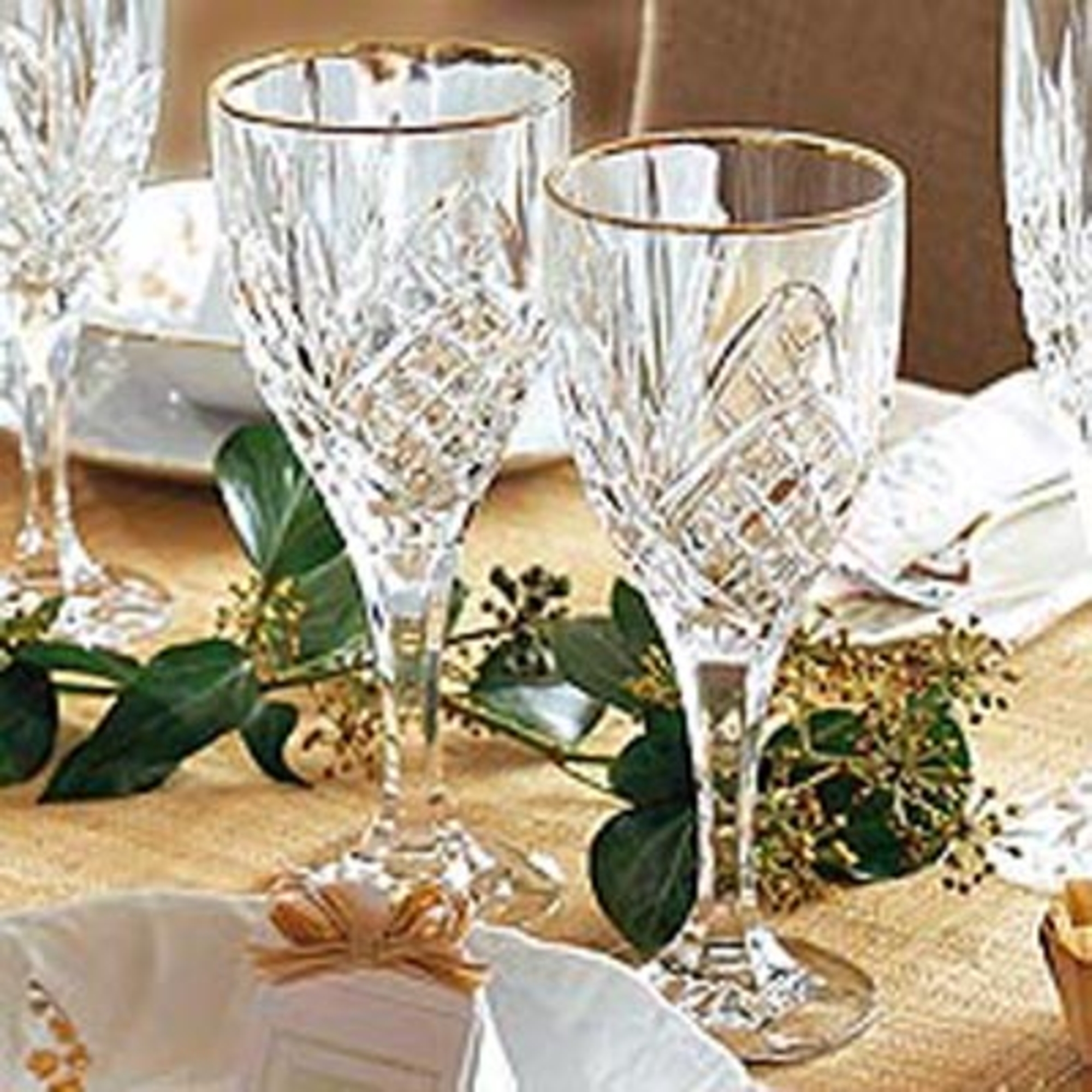 service de verres cristal 50 pi ces chamberlain avec filet dor anniversaire 40 ans. Black Bedroom Furniture Sets. Home Design Ideas