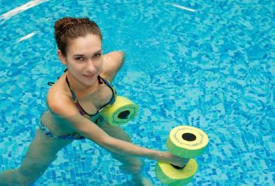 L'aquagym et ses bienfaits : toutes à l'eau !