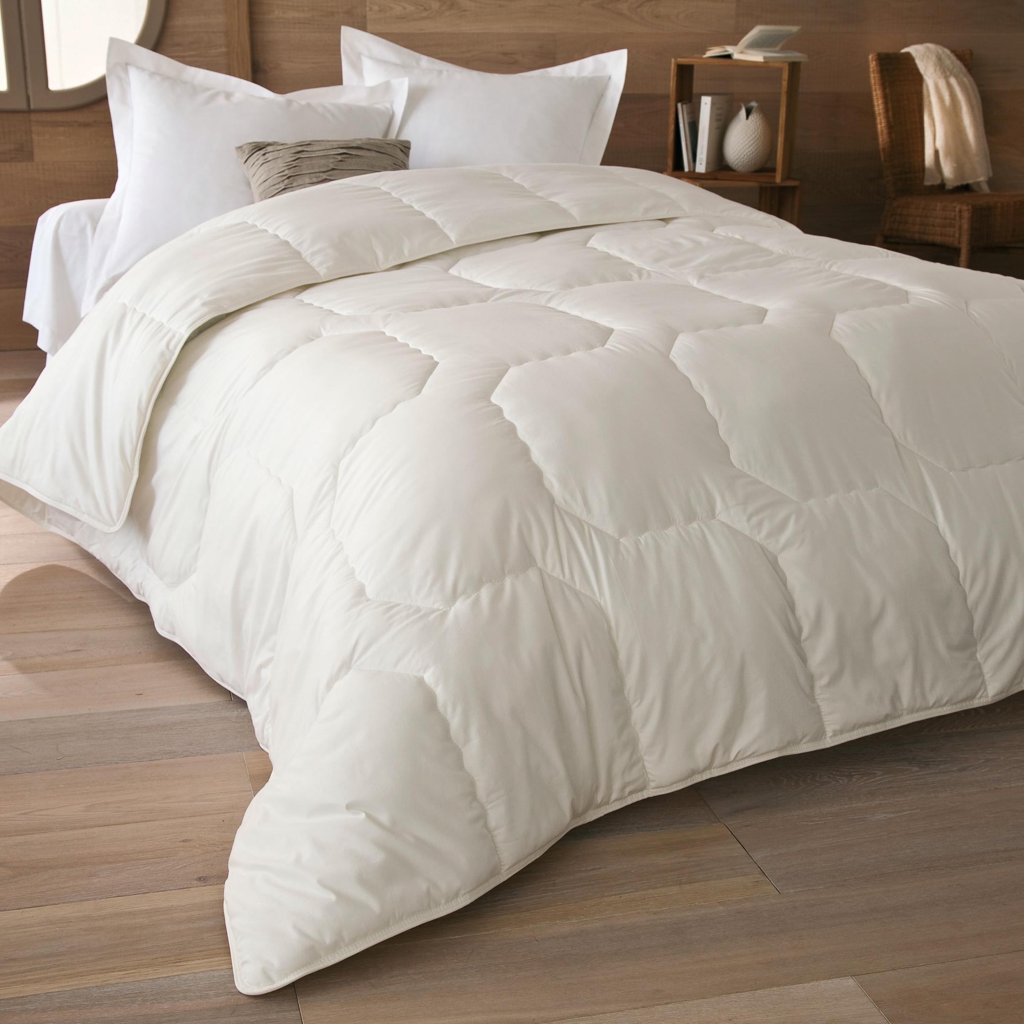couette coton bio 300 g m2 260 x 240 cm anniversaire 40 ans acheter ce produit au meilleur. Black Bedroom Furniture Sets. Home Design Ideas