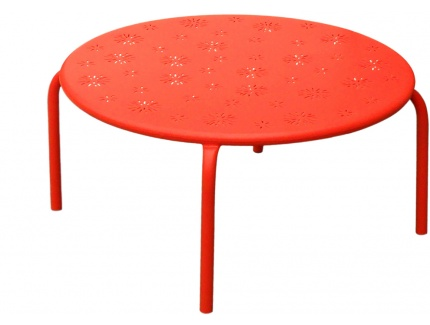 Table basse de jardin fruitea en m tal perfor rouge - Table basse jardin metal ...