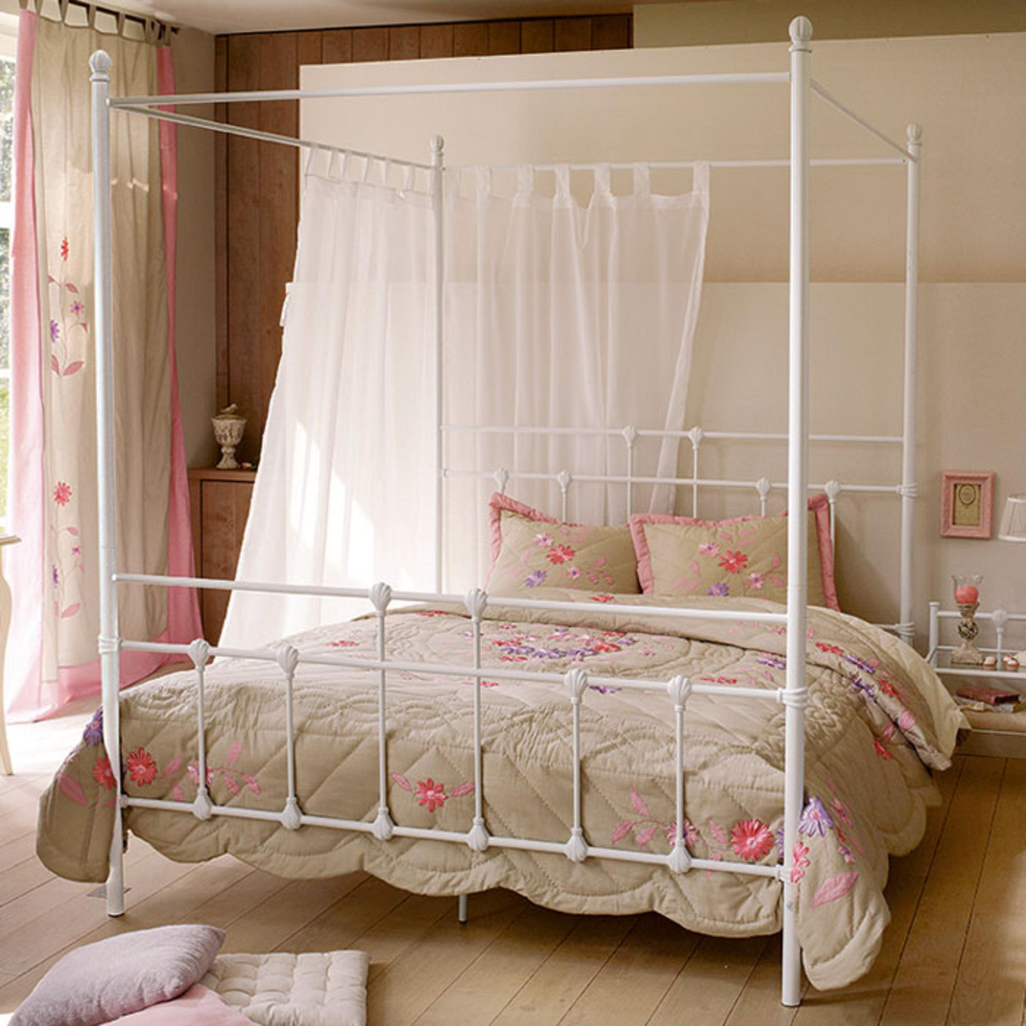 lit baldaquin blanc. Black Bedroom Furniture Sets. Home Design Ideas