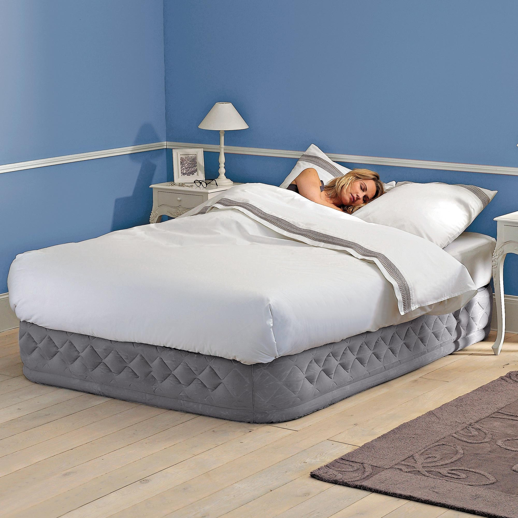 matelas gonflable 2 personnes intex supr me beige. Black Bedroom Furniture Sets. Home Design Ideas