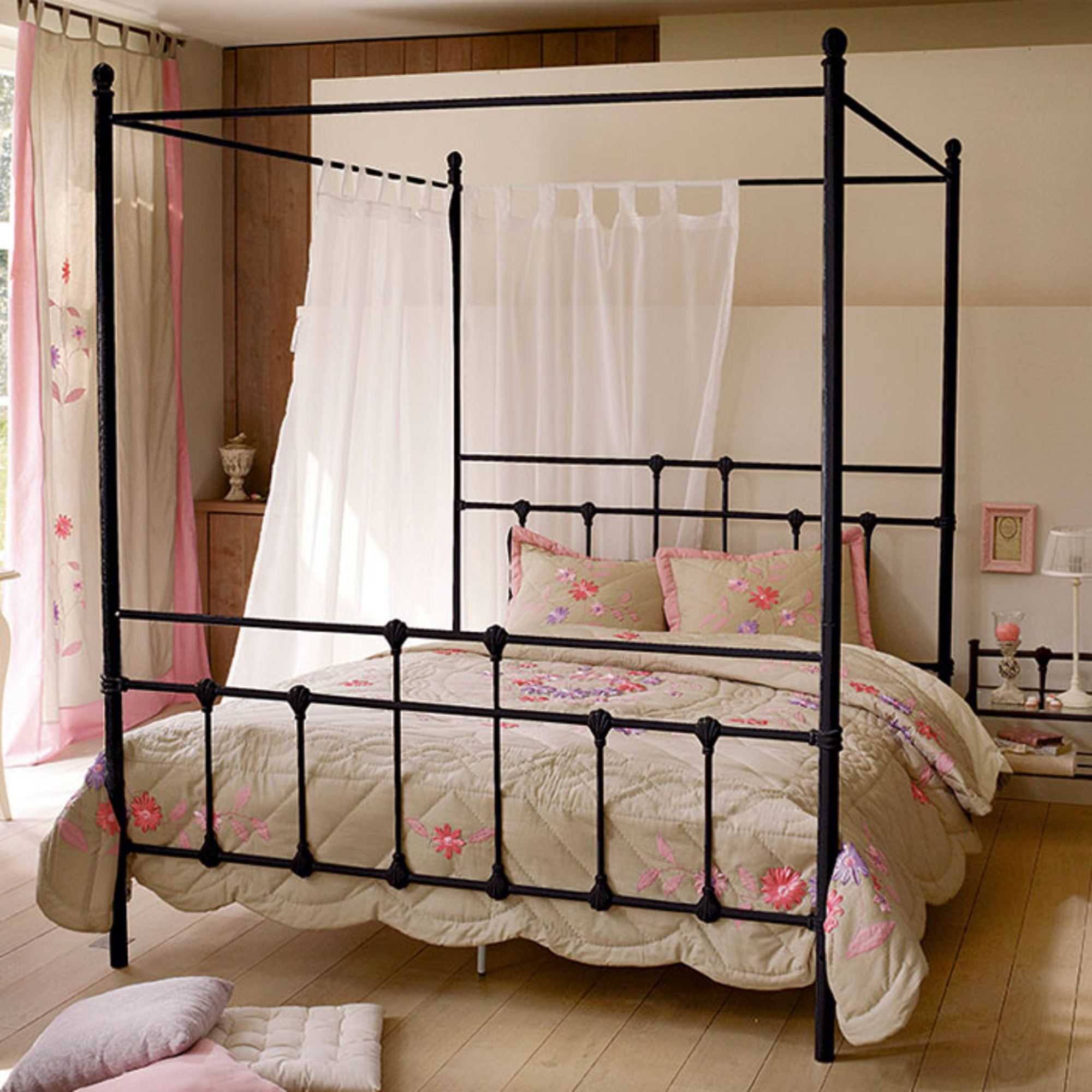 lit baldaquin colonies acheter ce produit au. Black Bedroom Furniture Sets. Home Design Ideas