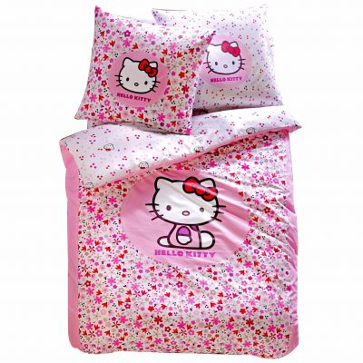 parure housse de couette 1 taie doreiller hello kitty. Black Bedroom Furniture Sets. Home Design Ideas