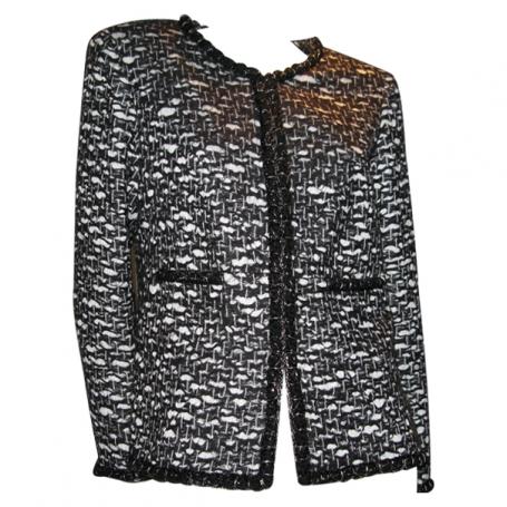 eb16f9e733a5 Veste noire blanc chanel - Acheter ce produit au meilleur prix !