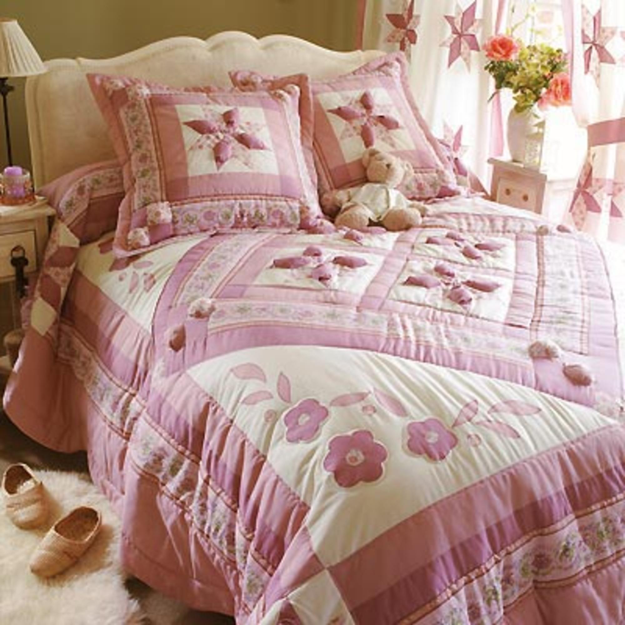 couvre lit 170 x 240 cm flora rose acheter ce produit au meilleur prix. Black Bedroom Furniture Sets. Home Design Ideas