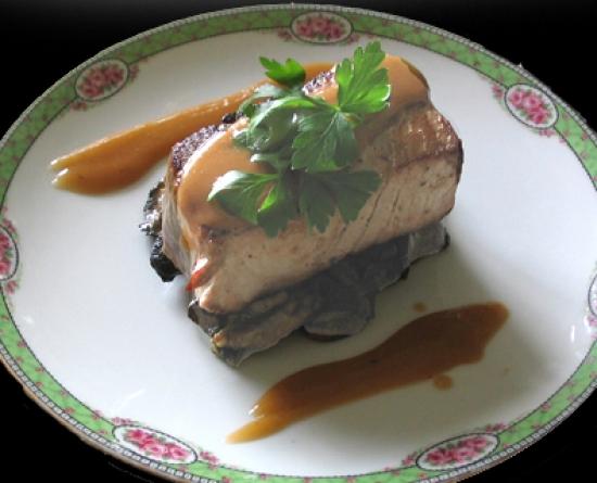 pav de thon rouge aux c pes toutes les recettes et conseils de cuisine. Black Bedroom Furniture Sets. Home Design Ideas