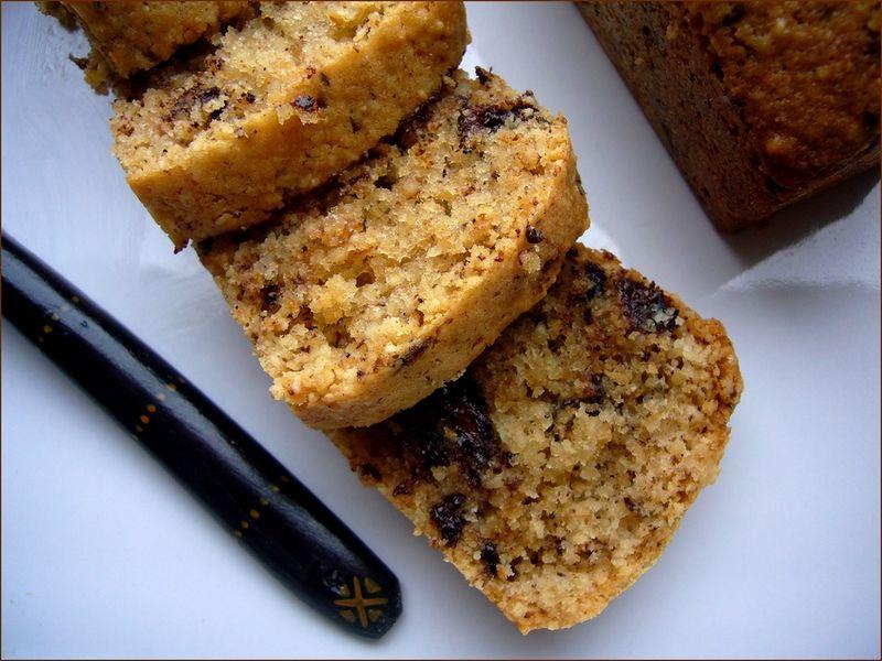 cake moelleux saveur noisettes aux pepites de chocolat