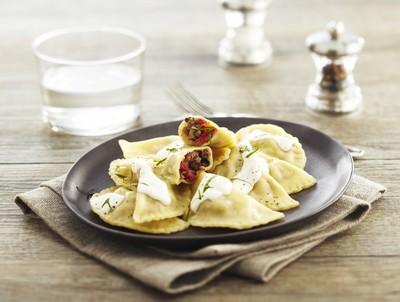Mezzelune boeuf, tomates confites et basilic au mascarpone