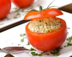 Tomates farcies à la salade d'oeufs