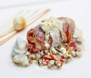 Roulé de veau au gorgonzola et abricots secs