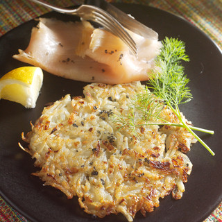 Galettes de pommes de terre et saumon fumé