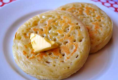 Crumpets buttered